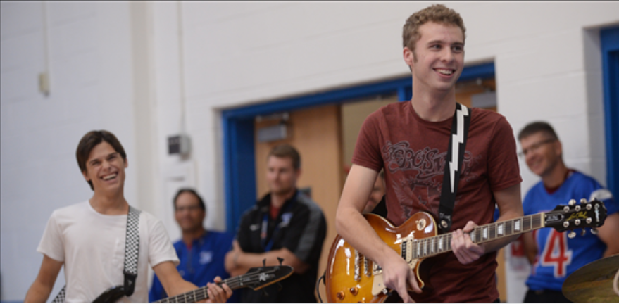 Students catch Cabin Fever as group of seniors start rock band